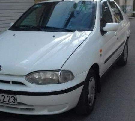 Cần bán Fiat Siena đời 2003, màu trắng, nhập khẩu nguyên chiếc, giá chỉ 79 triệu1