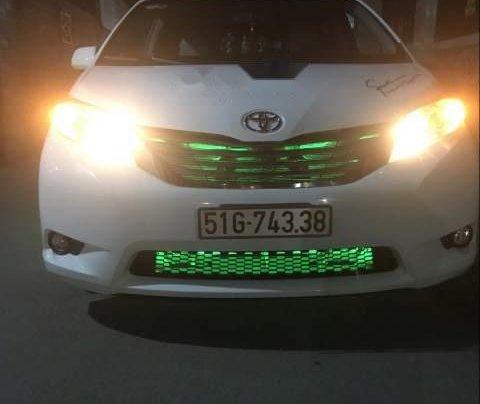 Cần bán Toyota Sienna đời 2013, màu trắng, full đồ chơi2