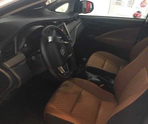 Bán ô tô Toyota Innova 2.0E MT 2019, màu trắng  3