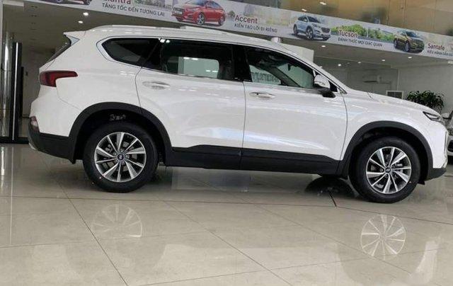 Cần bán xe Hyundai Santa Fe đời 2019, màu trắng, mới 100%0