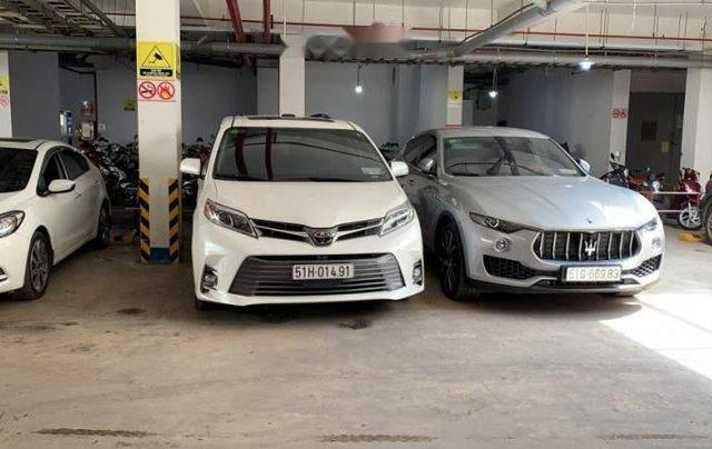 Bán Toyota Sienna đời 2019, màu trắng, nhập khẩu nguyên chiếc như mới0