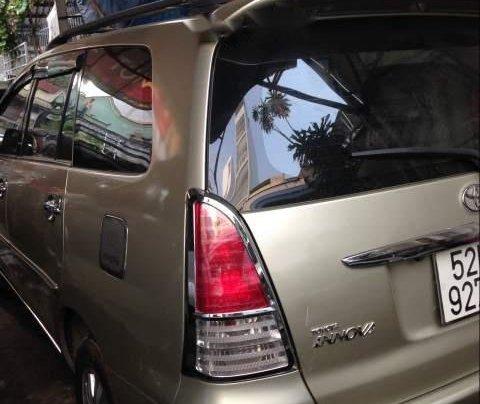 Bán Innova đời 2009 màu ghi vàng, số sàn, đã đi 300,000km1