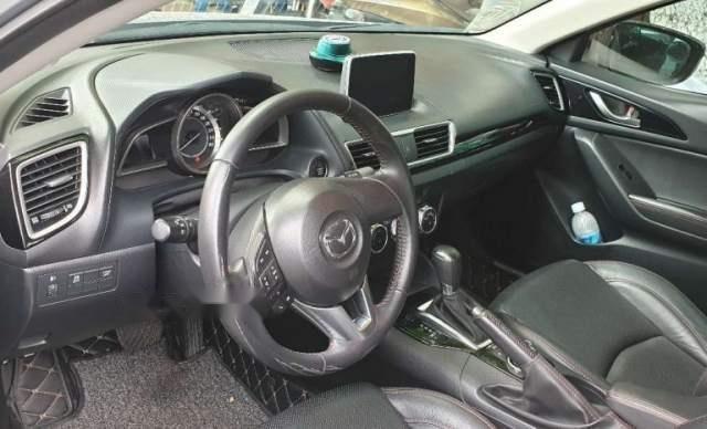 Cần bán Mazda 3 1.5AT năm sản xuất 2016, màu bạc, xe gia đình sử dụng, biển số Đà Nẵng2