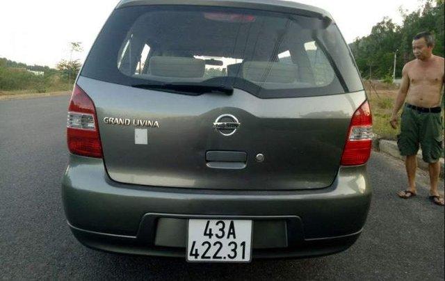 Cần bán gấp Nissan Grand Livina đời 2010, nhập khẩu, xe còn mới2