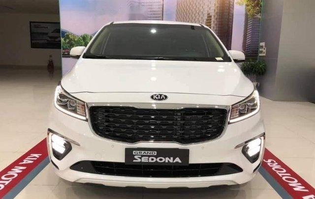 Cần bán Kia Sedona Deluxe đời 2019, màu trắng3