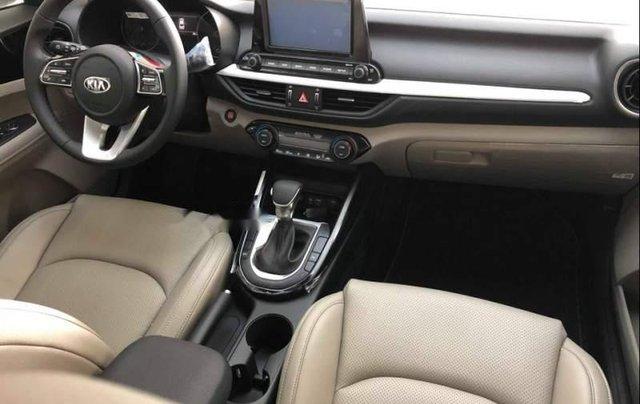 Bán Kia Cerato Deluxe 1.6AT màu trắng 20193
