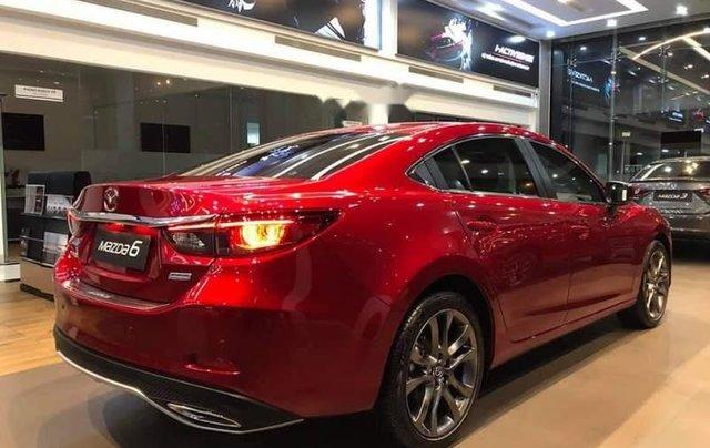 Bán ô tô Mazda 6 năm sản xuất 2019, màu đỏ, ưu đãi tiền mặt lên đến 30tr2