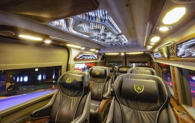 Bán Ford Transit Dcar X Plus 2019, màu bạc, mới 100%1
