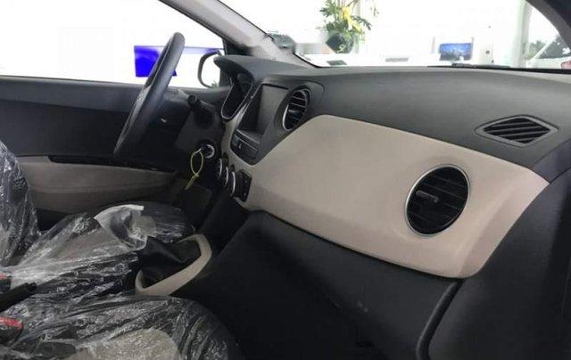Bán ô tô Hyundai Grand i10 2019, màu trắng, xe có sẵn giao ngay trong tháng 2
