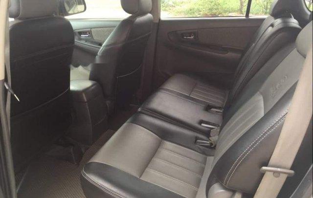 Cần bán gấp Toyota Innova 2.0 đời 2013, màu bạc, xe gia đình5