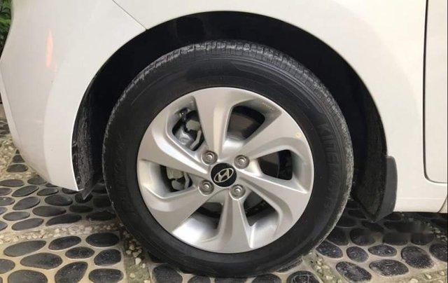 Cần bán Hyundai Grand i10 sản xuất năm 2018, xe gia đình mua mới 4