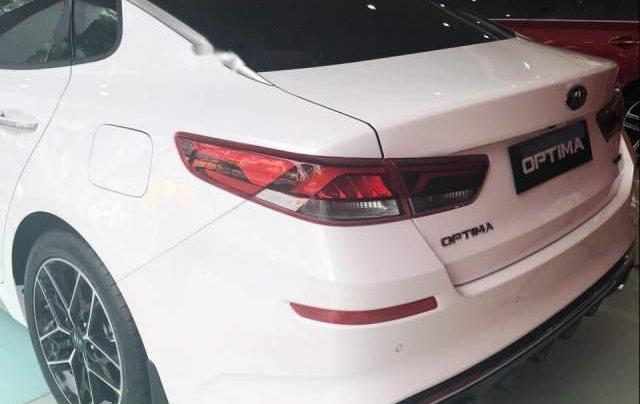Cần bán Kia Optima 2.4 2019, màu trắng5