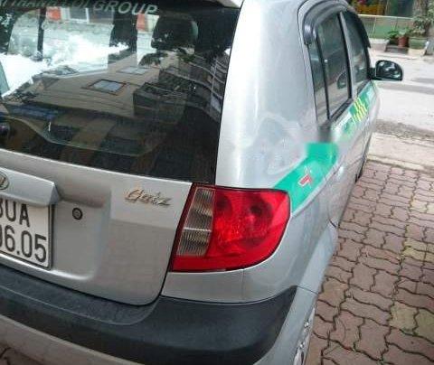 Bán Hyundai Getz 1.1 đời 2009, màu bạc, xe một lái đẹp xuất sắc2