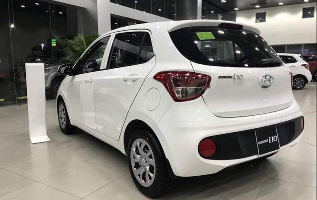 Bán ô tô Hyundai Grand i10 2019, màu trắng, xe có sẵn giao ngay trong tháng 1