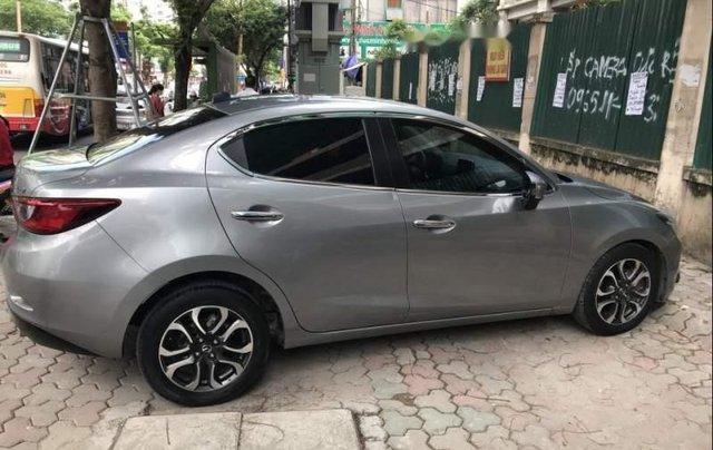 Bán xe Mazda 2 sản xuất 2015, màu xám, xe đi giữ gìn cẩn thận2