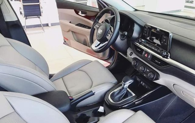 Bán ô tô Kia Cerato sản xuất 2019, màu đen5