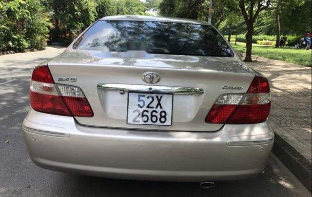 Bán Toyota Camry đời 2004, xe còn rất mới1