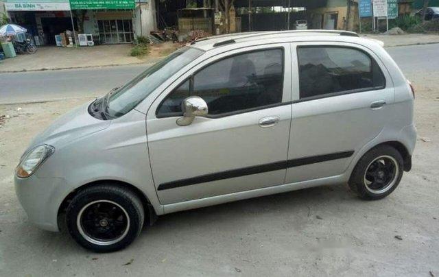 Cần bán xe Chevrolet Spark năm 2011, màu bạc, xe đẹp2