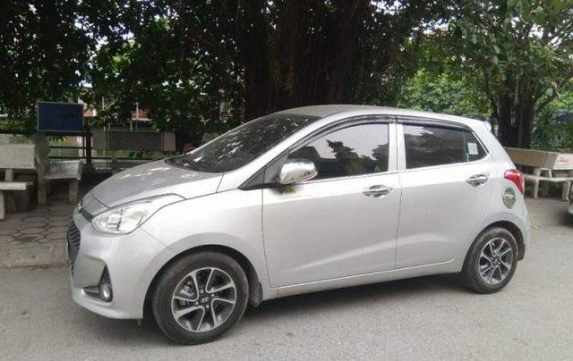 Cần bán Hyundai Grand i10 MT đời 2017, màu bạc, nhập khẩu, xe gia đình sử dụng từ mới5