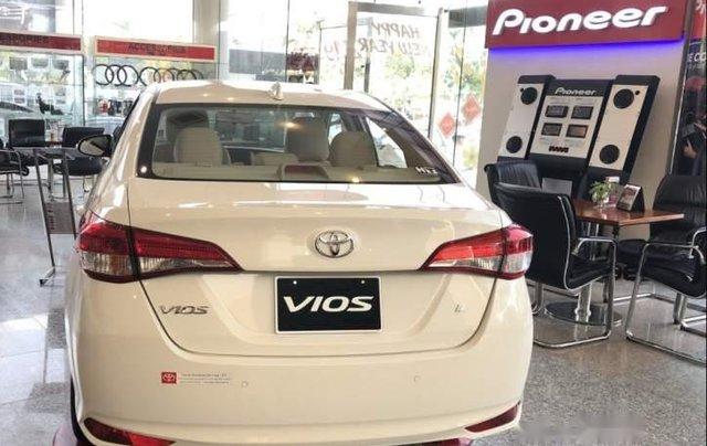 Bán Toyota Vios năm sản xuất 2019, màu trắng, mới 100%1