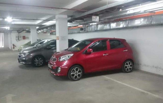 Gia đình bán gấp xe Kia Morning màu đỏ, biển SG, đời 2015, số tự động1