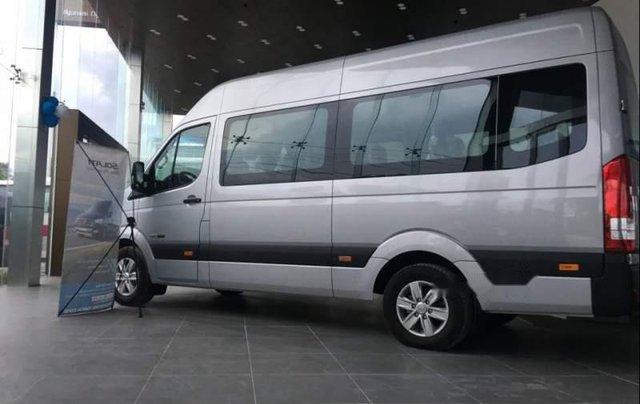 Bán Hyundai Solati 2019 bạc có sẵn giao ngay, kèm quà tặng4