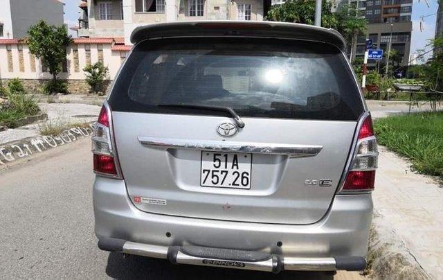 Cần bán xe Toyota Innova MT sản xuất 2013, giấy tờ đầy đủ, máy móc êm, hơi xước nhẹ2