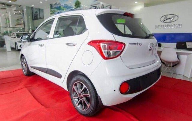 Bán ô tô Hyundai Grand i10 1.2 MT năm sản xuất 2018, màu trắng2