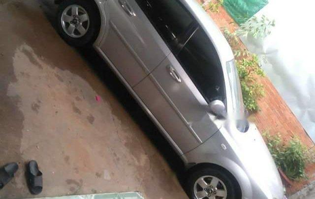 Cần bán xe Daewoo Lacetti MT 2010, màu bạc, xe gia đình0