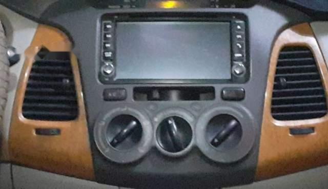 Bán Toyota Innova MT đời 2011, màu bạc, không ngập nước2