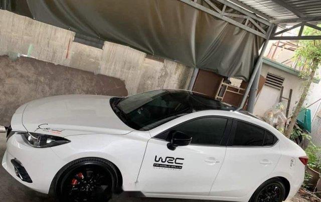 Bán Mazda 3 1.5AT đời 2017, màu trắng, 1 đời chủ0