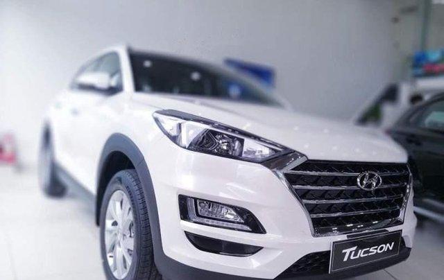 Bán Hyundai Tucson 2.0 MPI 2WD đời 2019, xe giao ngay2