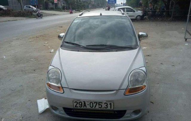 Cần bán xe Chevrolet Spark năm 2011, màu bạc, xe đẹp0