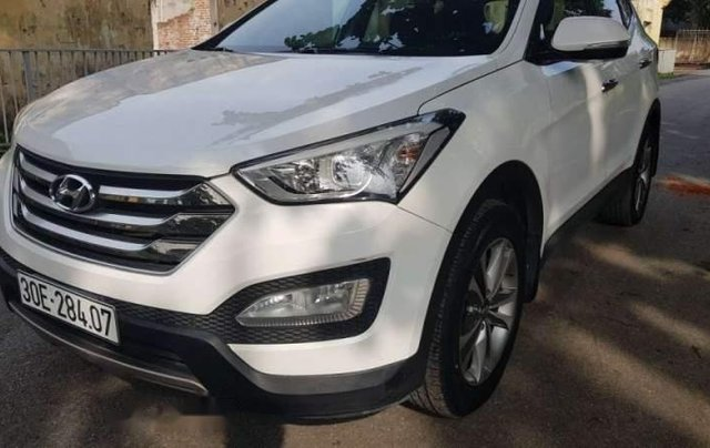 Cần bán Hyundai Santa Fe 2.2 máy dầu, màu trắng Sx 2015, xe tư nhân chính chủ0