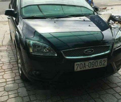 Chính chủ cần bán xe Ford Focus 1.8, xe còn rất mới0