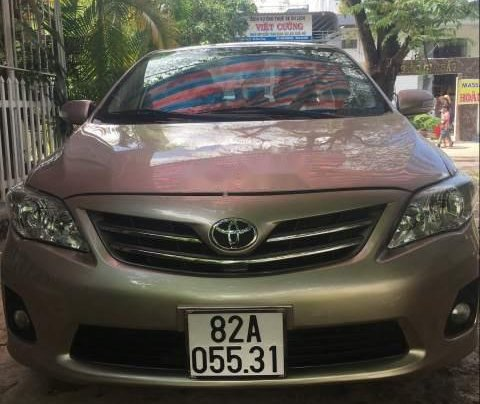 Cần bán gấp Toyota Corolla Altis đời 2013, đăng ký 2014, số sàn, máy zin0