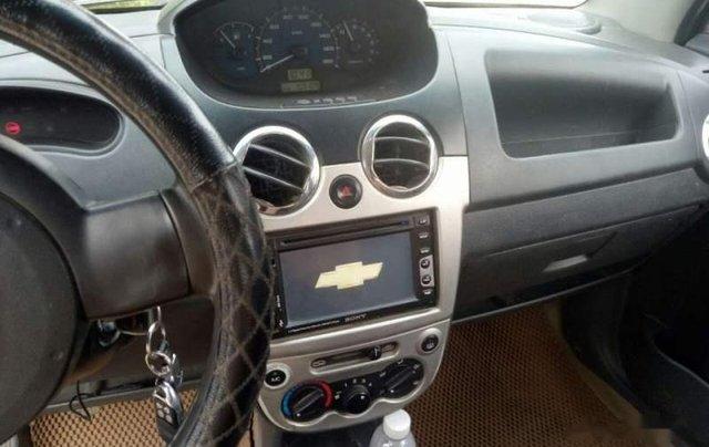 Cần bán xe Chevrolet Spark năm 2011, màu bạc, xe đẹp4