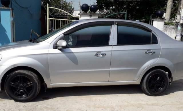 Cần bán xe Daewoo Gentra MT 2009, màu bạc, xe còn đẹp3