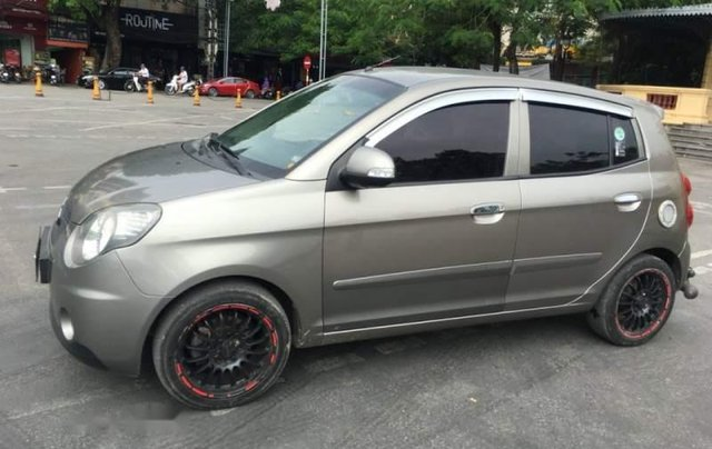 Cần bán xe ô tô Kia Morning màu ghi xám, sản xuất và đăng ký 2009, nhập khẩu