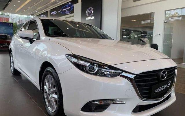 Bán Mazda 3 1.5L SD 2019, màu trắng, động cơ Skyactiv mạnh mẽ và tiết kiệm nhiên liệu0