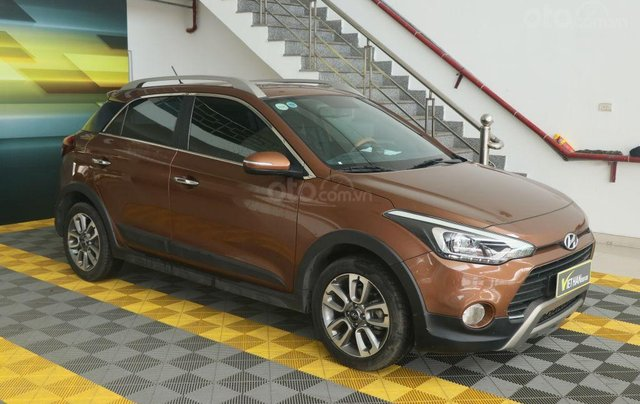 Cần bán xe Hyundai i20 Active năm sản xuất 2015, màu nâu, nhập khẩu nguyên chiếc giá cạnh tranh2
