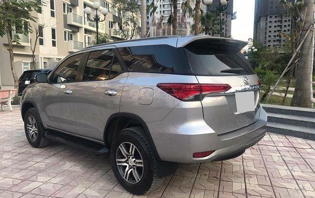 Xe Toyota Fortuner sản xuất năm 2018, màu bạc xe gia đình0