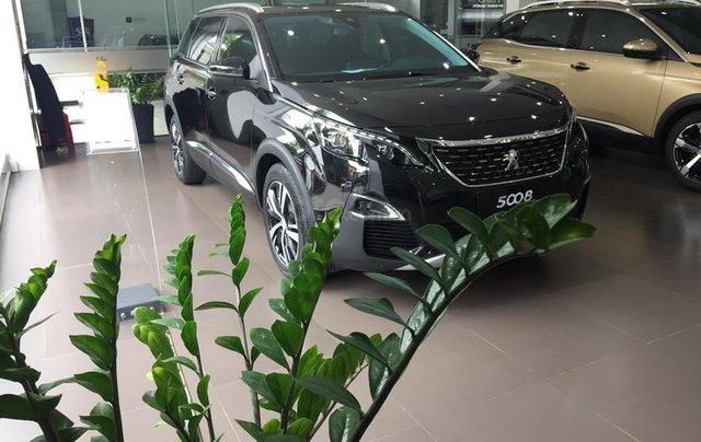 Bán xe Peugeot 5008 đời 2019, màu đen2