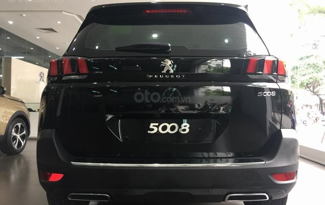 Bán xe Peugeot 5008 đời 2019, màu đen5