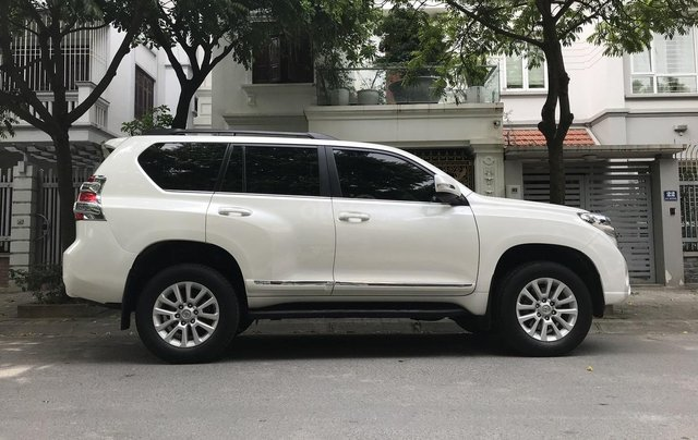 Xe chính chủ bán Toyota Prado TXL 2.7L đời 2017, màu trắng, xe nhập, siêu mới, giá tốt1