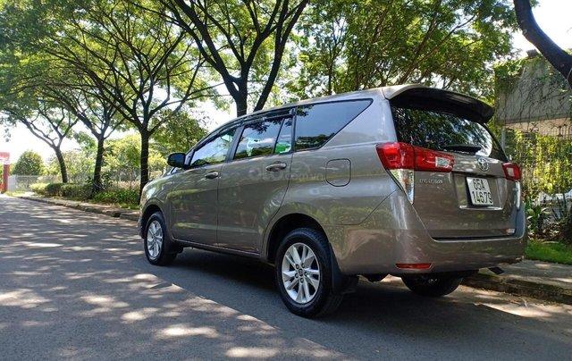 Bán ô tô Toyota Innova 2.0E 2018, màu ghi, xe gia đình cần bán lại giá 710 triệu2