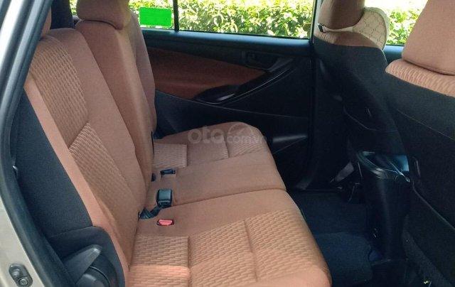 Bán ô tô Toyota Innova 2.0E 2018, màu ghi, xe gia đình cần bán lại giá 710 triệu7