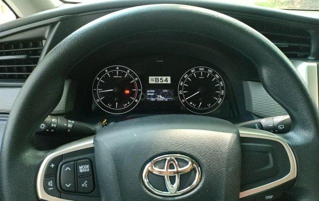 Bán ô tô Toyota Innova 2.0E 2018, màu ghi, xe gia đình cần bán lại giá 710 triệu6