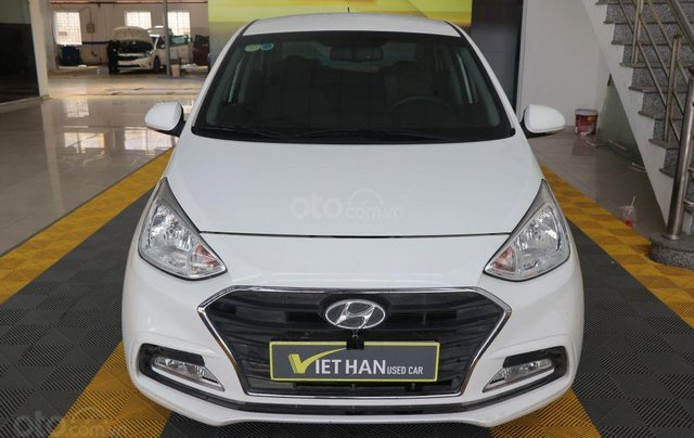 Bán Hyundai Grand i10 1.2AT 2018, màu trắng0