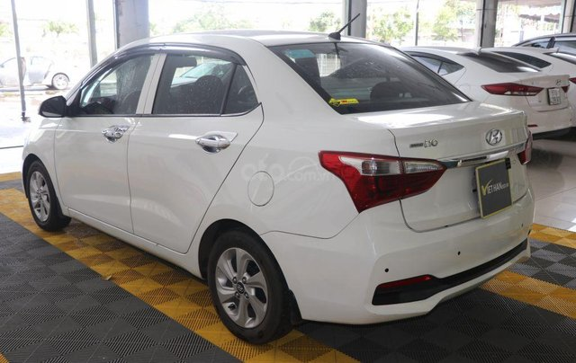 Bán Hyundai Grand i10 1.2AT 2018, màu trắng5